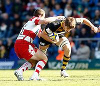 Photo: Richard Lane/Richard Lane Photography. London Wasps v Gloucester Rugby. Aviva Premiership. 01/04/2012. Wasps' Sam Jones attacks.