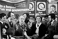 Rene Levesques et le PQ remportent l'election du 15 novembre 1976 au Centre Paul-Sauve.<br /> <br /> <br /> PHOTO : Agence Quebec Presse - Alain Renaud