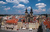 Altstaedter Ring (Staromestske Namesti), Blick vom Altstaedter Rathaus, Prag, Tschechien, Unesco-Weltkulturerbe.