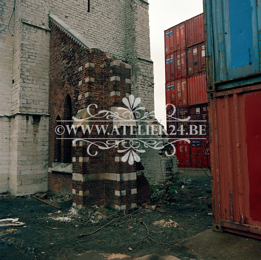 April 1993. Kerk van Wilmarsdonk in de haven van Antwerpen.
