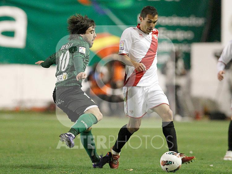 Rayo Vallecano's Emiliano Daniel Armenteros (r) and Betis' Benat Etxebarria during La Liga match.March 17,2012. (ALTERPHOTOS/Acero)
