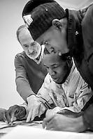 a Como, proposte formative per gli stranieri. lingua italiana, corsi di lingua italiana rivolti ai richiedenti protezione internazionale delle rete Acli-Caritas