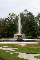 Brunnen im Park des Peterhof, St. Petersburg, Russland, UNESCO-Weltkulturerbe