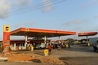 ANGOLA Luanda, fuel station of Sonagol, the national oil company / ANGOLA Luanda, Tankstelle von Sonangol, die nationale Oelgesellschaft