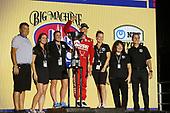 #8: Marcus Ericsson, Chip Ganassi Racing Honda   winner podium  guests