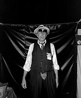 Le comedien Paul Hebert  sur scene<br /> le 22 juin 1984<br /> <br /> Photographe : Charles-Henri Leclerc<br /> - Agence Quebec Presse