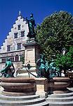 DEU, Deutschland, Bayern, Bayerisch Schwaben, Bodensee, Lindau: Lindavia Brunnen und altes Rathaus | DEU, Germany, Bavaria, Bavarian Swabia, Lake Constance, Lindau: Lindavia fountain and old cityhall