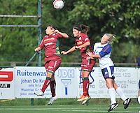 Dames Zulte Waregem - KSK Heist : kopduel met Victoria Bottecchia (links) , Charlien Ver Eecke (midden) en Eva Swenden (rechts)<br /> foto VDB / Bart Vandenbroucke