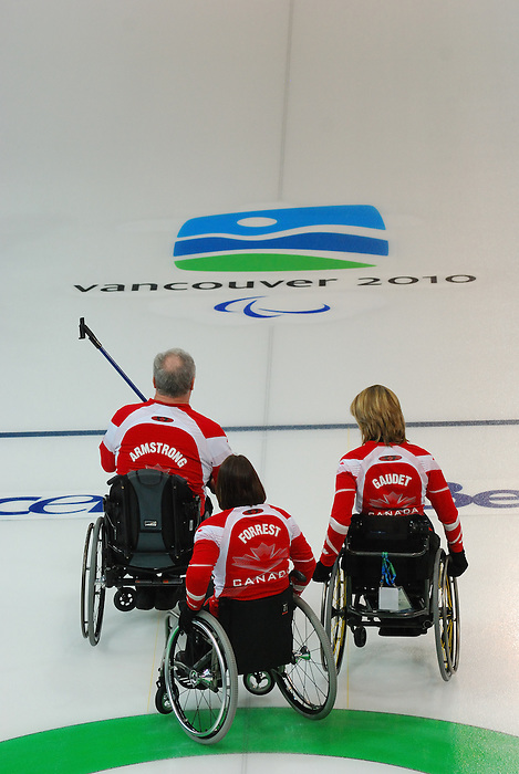 Vancouver 2010 - Wheelchair Curling // Curling en fauteuil roulant.<br /> Team Canada competes in Wheelchair Curling // Équipe Canada participe en curling en fauteuil roulant. 16/03/2010.