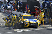 Monster Energy NASCAR Cup Series<br /> AAA 400 Drive for Autism<br /> Dover International Speedway, Dover, DE USA<br /> Sunday 4 June 2017<br /> Kyle Busch, Joe Gibbs Racing, Pedigree Petcare Toyota Camry, makes a pit stop.<br /> World Copyright: John K Harrelson<br /> LAT Images<br /> ref: Digital Image 17DOV1jh_07219