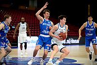 03-04-2021: Basketbal: Donar Groningen v Heroes Den Bosch: Groningen Donar speler Will Moreton in duel met Den Bosch speler Boy van Vliet