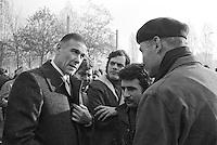 - strike and demonstration of FIAT workers, Bruno Trentin, general secretary of FLM union speaks with workers (Turin, 1975)..- sciopero e manifestazione operai della FIAT, Bruno Trentin, segretario generale del sindacato FLM dei lavoratori metalmeccanici parla con gli operai (Torino, 1975)