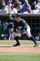 March 4, 2010:  Outfielder Brett Gardner of the New York Yankees during a Spring Training game at Bright House Field in Clearwater, FL.  Photo By Mike Janes/Four Seam Images