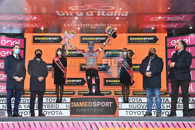 Ruben Guerreiro (POR) EF Pro Cycling wins Stage 9 of the 103rd edition of the Giro d'Italia 2020 running 208km from San Salvo to Roccaraso (Aremogna), Sicily, Italy. 11th October 2020.  <br /> Picture: LaPresse/Gian Mattia D'Alberto | Cyclefile<br /> <br /> All photos usage must carry mandatory copyright credit (© Cyclefile | LaPresse/Gian Mattia D'Alberto)