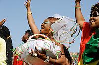 BURKINA FASO, soccer fans during reception of the national football team of Burkina Faso as 2nd placed winner of the Africa Cup 2013 in Stadium in Ouagadougou / BURKINA FASO Ouagadougou, begeisterte fans empfangen die burkinische Fussball Nationalmannschaft als zweitplazierten des Afrika Cup 2013 im Stadium