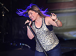 RE Kelly Clarkson 050909