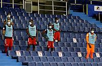 BARRANQUILLA-COLOMBIA, 14-10-2020: Jugadores de America de Cali, durante partido entre Atletico Junior y America de Cali, de la fecha 14 de los cuadrangulares semifinales de los cuadrangulares semifinales por la Liga Águila II 2019, jugado en el estadio Metroplitano Roberto Melendez de la ciudad de Barranquilla. / Players of America de Cali, during a match between Atletico Junior and America de Cali of the 14th date for the BetPlay DIMAYOR Leguaje 2020 played at the Metroplitano Roberto Melendez Stadium in Barranquilla city. / Photo: VizzorImage / Jairo Cassiani / Cont.