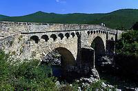 Genuesische  Brücke über den Tavignano zwischen Corte und Aleria,  Korsika, Frankreich