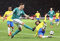 Niklas Süle (Deutschland Germany) zieht ab gegen Marcelo (Brasilien Brasilia) - 27.03.2018: Deutschland vs. Brasilien, Olympiastadion Berlin