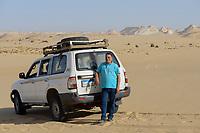EGYPT, Farafra, Nationalpark White Desert , wind and sand erosion / AEGYPTEN, Farafra, Nationalpark Weisse Wueste, guide und Wuestensafari Veranstalter Khaled Khalifa