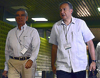 LA HABANA - CUBA, 13-01-2014: Los Generales (r) Jorge Enrique Mora y Oscar Naranjo miembros del equipo negociador ingresan al Palacio de Las Convenciones de la Habana, Cuba, para comenzar un nuevo ciclo de conversaciones de paz con el grupo guerrillero de las Farc./ SFormer Generals Jorge Enrique Mora and Oscar Naranjo (R) members of the negotiating team come into the Conventions' Palace of La Habana, Cuba, to beginning a new round of peace conversations with Farc guerrillas group. Photo: VizzorImage/ Omar Nieto/ Oficina Alto Comicionado para la Paz / HANDOUT PICTURE; MANDATORY USE EDITORIAL ONLY/ TO DOWLOAD THIS PICTURES GO TO THE FREE DOWNLOAD AREA AND ENTER PASSWORD: 54321