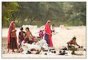 Inde<br /> Désert du Rajasthan, jeunes bergères.