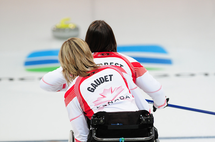 Sonja Gaudet and Ina Forrest, Vancouver 2010 - Wheelchair Curling // Curling en fauteuil roulant.<br /> Team Canada competes in Wheelchair Curling // Équipe Canada participe en curlign en fauteuil roulant. 13/03/2010.