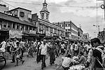 A crowded street iduring an evening in Kolkata, India