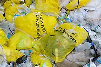 Recycling-Muell in einer Muellverwertungsanlage der Kaerntener Abfall Betriebe (KAB) in Klagenfurt.<br /> 29.11.2011, Klagenfurt<br /> Copyright: Christian-Ditsch.de<br /> [Inhaltsveraendernde Manipulation des Fotos nur nach ausdruecklicher Genehmigung des Fotografen. Vereinbarungen ueber Abtretung von Persoenlichkeitsrechten/Model Release der abgebildeten Person/Personen liegen nicht vor. NO MODEL RELEASE! Nur fuer Redaktionelle Zwecke. Don't publish without copyright Christian-Ditsch.de, Veroeffentlichung nur mit Fotografennennung, sowie gegen Honorar, MwSt. und Beleg. Konto: I N G - D i B a, IBAN DE58500105175400192269, BIC INGDDEFFXXX, Kontakt: post@christian-ditsch.de<br /> Bei der Bearbeitung der Dateiinformationen darf die Urheberkennzeichnung in den EXIF- und  IPTC-Daten nicht entfernt werden, diese sind in digitalen Medien nach §95c UrhG rechtlich geschuetzt. Der Urhebervermerk wird gemaess §13 UrhG verlangt.]
