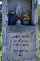 Europe/France/Rhone-Alpes/73/Savoie/Abymes : Oratoire dans le vignoble AOC Vins de Savoie