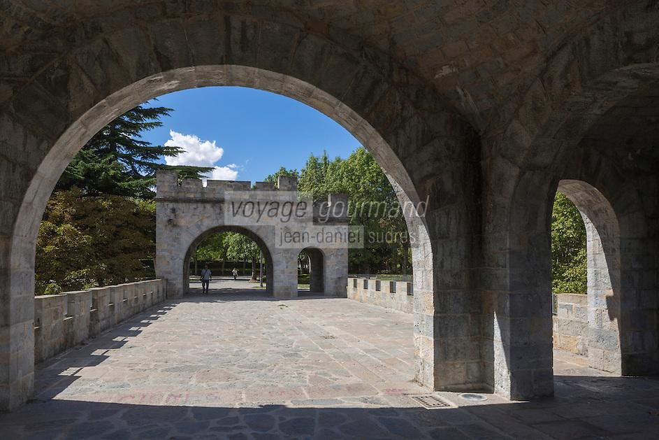 Espagne, Navarre, Pampelune, Parc de la Taconera, Portal Nuevo, Portal Berria // Spain, Navarra, Pamplona,   Gardens of La Taconera, Portal Nuevo, Portal Berria
