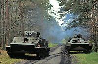 - Polish army, amphibious infantry division of Lebork, armored vehicles OT 72 C and PT T6<br /> <br /> - Forze Armate Polacche, divisione fanteria anfibia di Lebork. veicoli corazzati OT 72 C e PT T6
