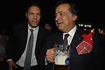 NIKLAS WAGNER CON LEONLUCA ORLANDO<br /> FESTA RIUNIFICAZIONE  A VILLA ALMONE RESIDENZA AMBASCIATORE TEDESCO -  ROMA  OTTOBRE 2008
