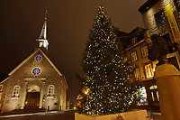 Amérique/Amérique du Nord/Canada/Québec/ Québec: Eglise Notre-Dame-des-Victoires et a place Royale de Québec   située dans la Basse-Ville dans l'arrondissement historique du Vieux-Québec;