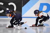 SCHAATSEN: HEERENVEEN: 12-12-2020, IJsstadion Thialf, Shorttrack, NK Shorttrack Afstanden,Selma Poutsma, Rianne de Vries,  ©foto Martin de Jong