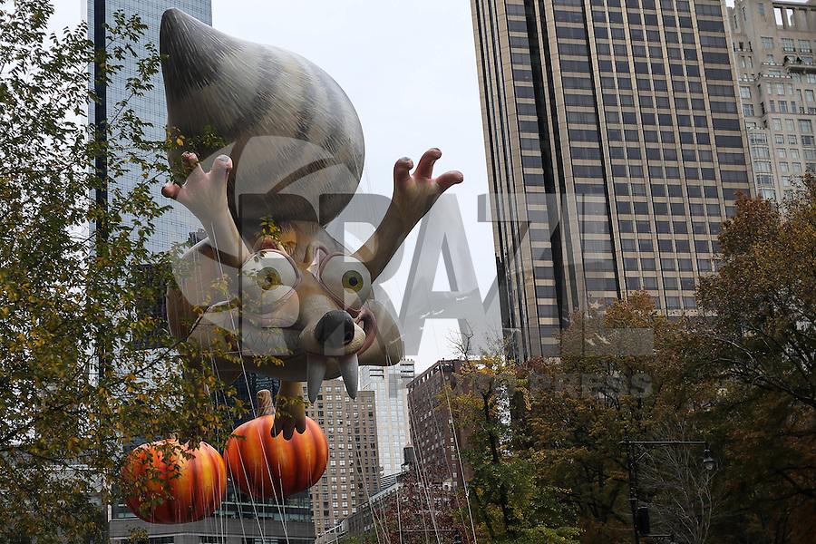 NEW YORK, NY, 24.11.2016 - PARADA-MACYS - Publico acompanha Macy's Thanksgiving Parade no dia Dia de Ação de Graças na cidade de New York nos Estados Unidos nesta quinta-feira, 24. (Foto: Vanessa Carvalho/Brazil Photo Press)