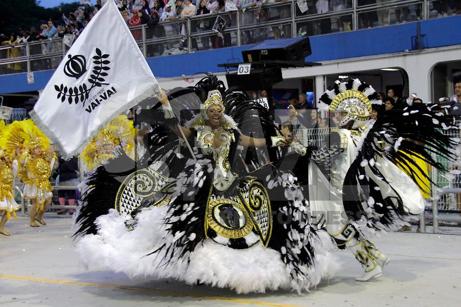 SÃO PAULO, SP, 04 DE MARÇO DE 2011 - CARNAVAL 2011 - Desfile da Vai - Vai primeiro dia dos desfiles das escolas do Grupo Especial de São Paulo,nas no Sambódromo do Anhembi, zona norte da capital paulista, nesta sexta-feira. (FOTO: ALE VIANNA / NEWS FREE).
