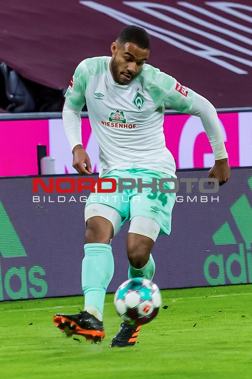 21.11.2020, Allianz Arena, Muenchen, GER,  FC Bayern Muenchen SV Werder Bremen <br /> <br /> <br />  im Bild Jean-Manuel Mbom (SV Werder Bremen #34) <br /> <br />  ,Ball am Fuss, Hochformat Einzelaktion, Ganzkörper / Ganzkoerper <br /> <br /> Foto © nordphoto / Straubmeier / Pool/ <br /> <br /> DFL regulations prohibit any use of photographs as image sequences and / or quasi-video.