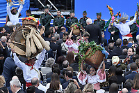 BOGOTÁ - COLOMBIA, 07-08-2018: Bailarines realizan una coreografía durante la ceremonia de juramento en donde Ivan Duque, toma posesión como presidente de la República de Colombia para el período constitucional 2018 - 22 en la Plaza Bolívar el 7 de agosto de 2018 en Bogotá, Colombia. / Dancers perform a choreography during the swearing ceremony where Ivan Duque, takes office to constitutional term as president of the Republic of Colombia 2018 - 22 at Plaza Bolivar on August 7, 2018 in Bogota, Colombia. Photo: VizzorImage/ Gabriel Aponte / Staff