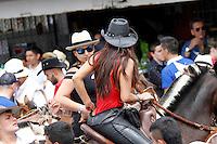 MANIZALES-COLOMBIA. 26-12-2015. La versión número 60 de La Feria de Manizales 2016 comenzó con la cabalgata que recorrió algunas de las más importantes calles de la ciudad. /  The version number 60 of the Feria de Manizales 2016 began with the cavalcade that toured some of the most important streets in the city. Photo: VizzorImage / Santiago Osorio / Cont
