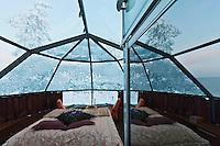Europe/Finlande/Laponie/Levi: Levi's igloos - Igloo de verre qui permet d'observer le ciel, les aurores boréales, ou le soleil de minuit