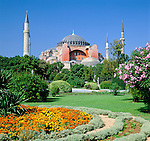 Turkey, Istanbul: Hagia Sophia (Ayasofya), former Byzantine  church, later mosque and today Hagia Sophia mosque museum (Ayasofya Camii Muzesi), UNESCO World Cultural Heritage  Tuerkei, Istanbul: Hagia Sophia (Ayasofya), ehemalige byzantinische Kirche (Kirche der Heiligen Weisheit), spaetere Moschee und heute das Hagia-Sophia-Moschee-Museum (Ayasofya Camii Muezesi), UNESCO Weltkulturerbe