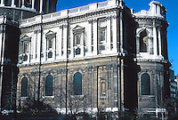 Sir Christopher Wren: St. Paul's Cathedral--Choir, Apse. South elevation. Photo '90.