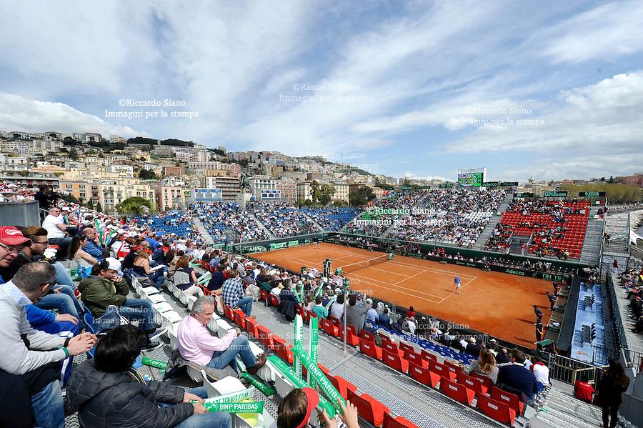 NAPOLI 5 APR - Seconda giornata della sfida di Coppa Davis tra Italia e Gran Bretagna nella foto l'incontro tra Andy Murray e Andreas Seppi