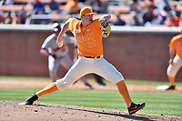 Tennessee Volunteers pitcher Zach Linginfelter (25) delivers a pitch during a game against the South Carolina Gamecocks at Lindsey Nelson Stadium on March 18, 2017 in Knoxville, Tennessee. The Gamecocks defeated Volunteers 6-5. (Tony Farlow/Four Seam Images)