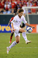 Robbie Rogers (7) of the United States (USA). The United States (USA) defeated Panama (PAN) 2-1 during a quarterfinal match of the CONCACAF Gold Cup at Lincoln Financial Field in Philadelphia, PA, on July 18, 2009.