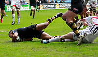 Photo: Richard Lane/Richard Lane Photography. Wasps v Leicester Tigers. Anglo-Welsh Cup. 04/02/2018. Wasps' Marcus Watson dives in for a try.