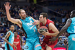 Movistar Estudiantes Alex Brown and Montakit Fuenlabrada Ian O'Leary during Liga Endesa match between Movistar Estudiantes and Montakit Fuenlabrada at Wizink Center in Madrid, Spain. November 12, 2017. (ALTERPHOTOS/Borja B.Hojas)