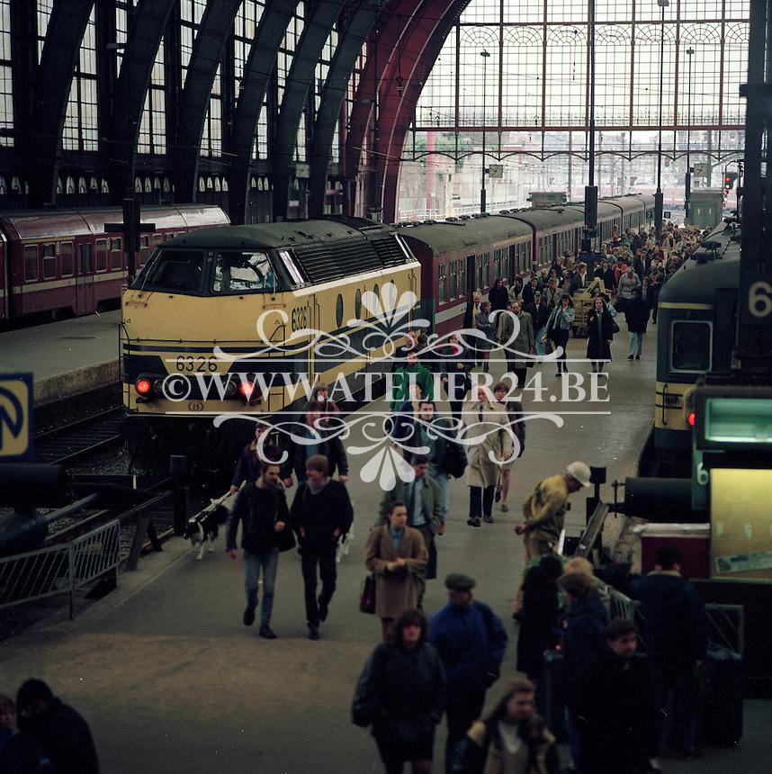 Maart 1993. Centraal Station in Antwerpen.