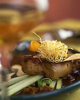 """Europe/France/Alsace/68/Haut-Rhin/Riquewihr : Foie gras de canard poêlé à la rhubarbe - Recette de François Kiener de """"l'Auberge de Schoenenbourg"""""""